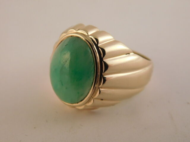 GREEN JADE 14K gold RING TEXTURED GIFT BOX 9 GRAMS 14MM X 10MM SIZE 7