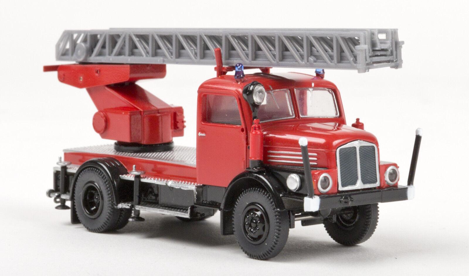 IFA S 4000-1 DL 25, red black, Feuerwehr, H0 Auto Modell 1 87, Brekina 71725