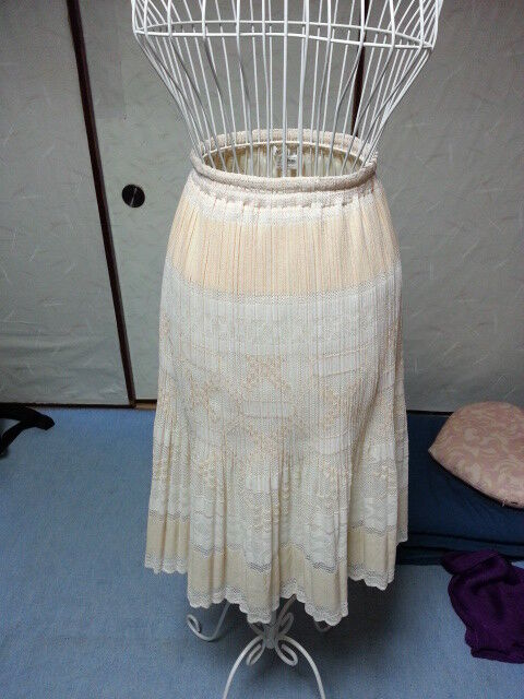 White Laced Skirt PLEATS PLEASE Issey Miyake VG