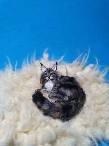 OOAK-Realistic-maine-coon-cat-Dollhouse-Handmade-IGMA-ARTISAN