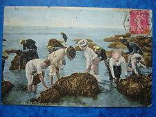 TROUVILLE  :  La Pêche aux Moules.......VO.1925.