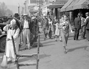 "1935 Street Scene, Middlesboro, Kentucky Vintage Old Photo 8.5"" x 11"" Reprint"