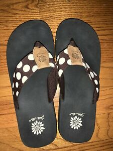 Yellow-Box-7-8-Brown-Polka-Dot-Flip-Flops-Sandals-Slides-Thongs-Shoes-Tw11j