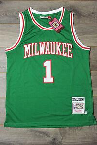 best website 8496b 5039e Details about Oscar Robertson #1 Milwaukee Bucks Jersey Swingman Classics  Retro New Green