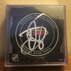 cheap for discount 8dd13 220c9 Image is loading Devan-Dubnyk-Autographed-Signed-Official-NHL-Game-Puck-