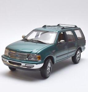 Ut-ford-expedition-XLT-todoterreno-en-verde-metalizado-lacados-1-18-embalaje-original-k017