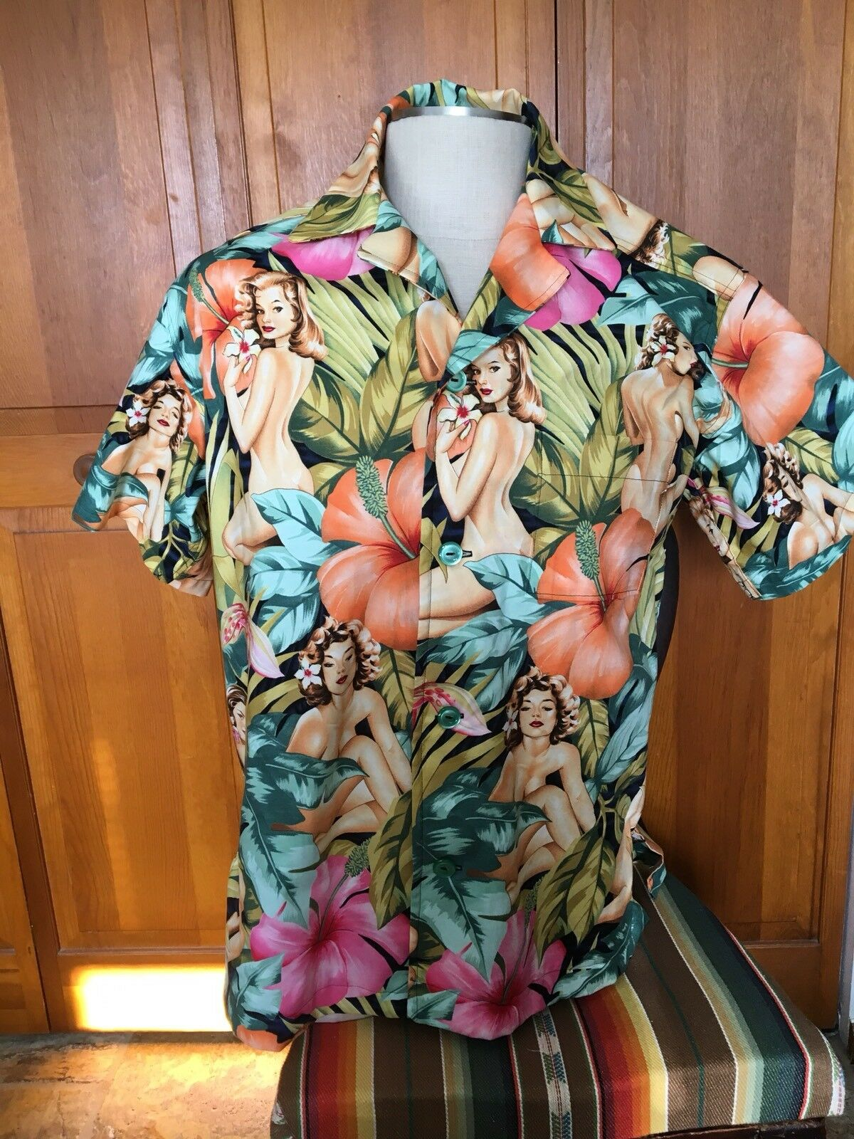 """""""Mirage"""" SOMETHING FISHY SHIRTS, Medium, Cotton, Hawaiian, Pin-Ups"""