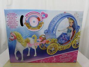 Acheter Pas Cher Disney Princess Cinderella's Magical Transformation, Transport Et Cheval-neuf-afficher Le Titre D'origine