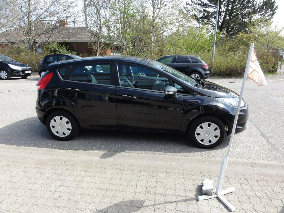 Ford Fiesta 1,25 60 Trend Benzin modelår 2010 km 113000