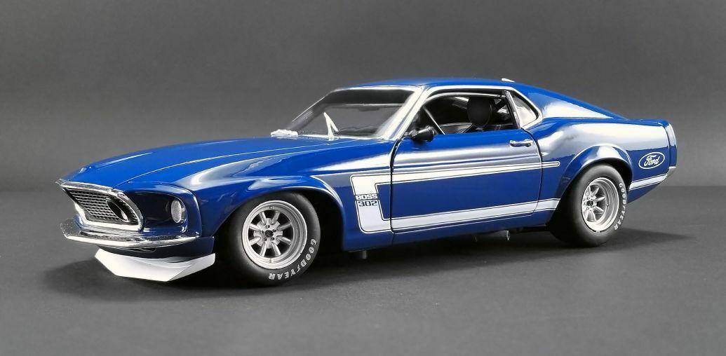 ACME 1969 Boss 302 Trans Am Mustang Street Version 1 18
