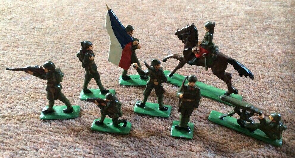 Vintage Metal Painted WW1 Czech Battalion Figures Set Of 8 RARE