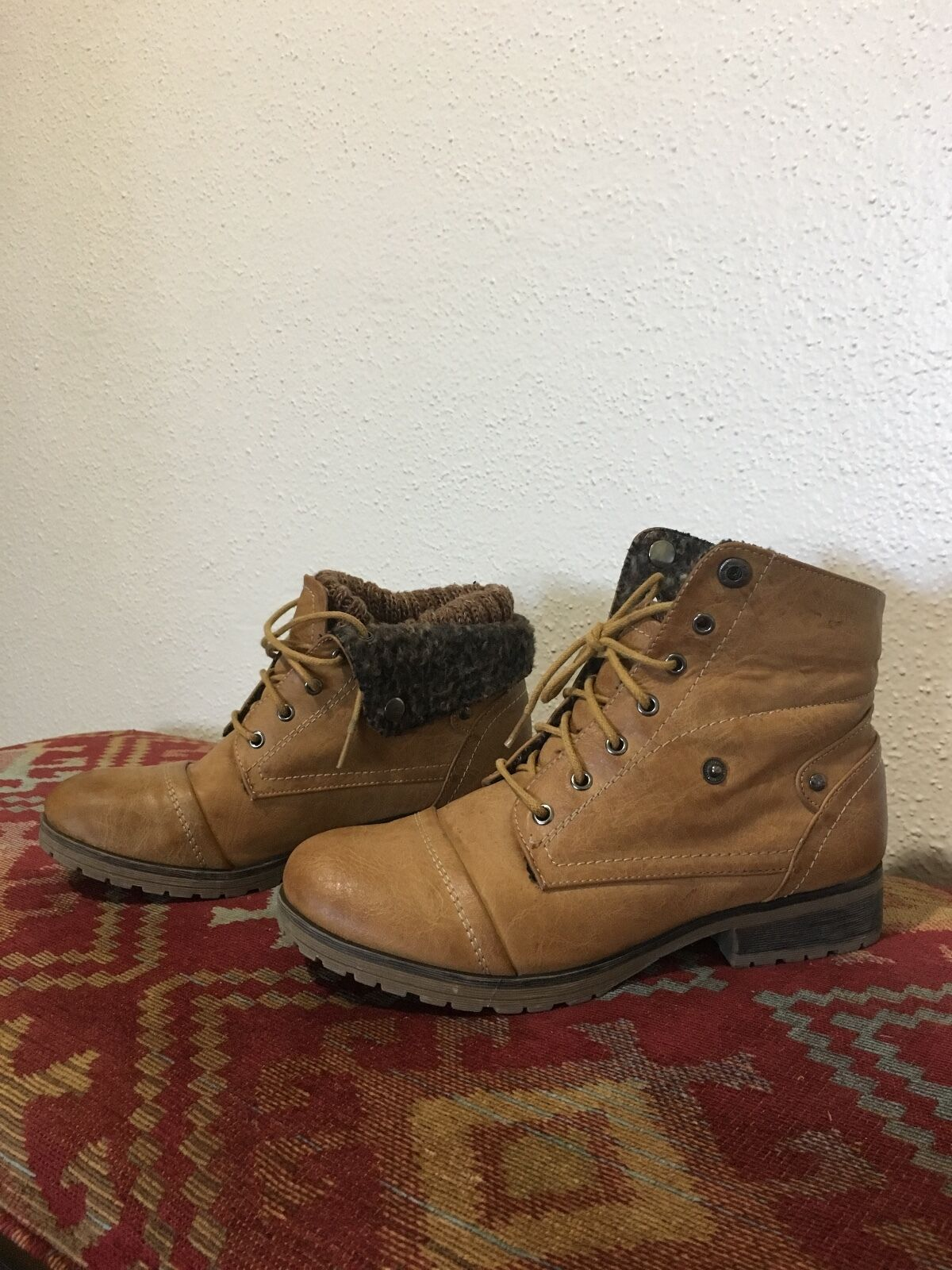 womens PRE OWNED brown heavy duty booties size 7