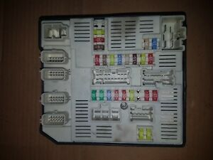 image is loading 08-16-renault-megane-mk3-under-bonnet-fuse-