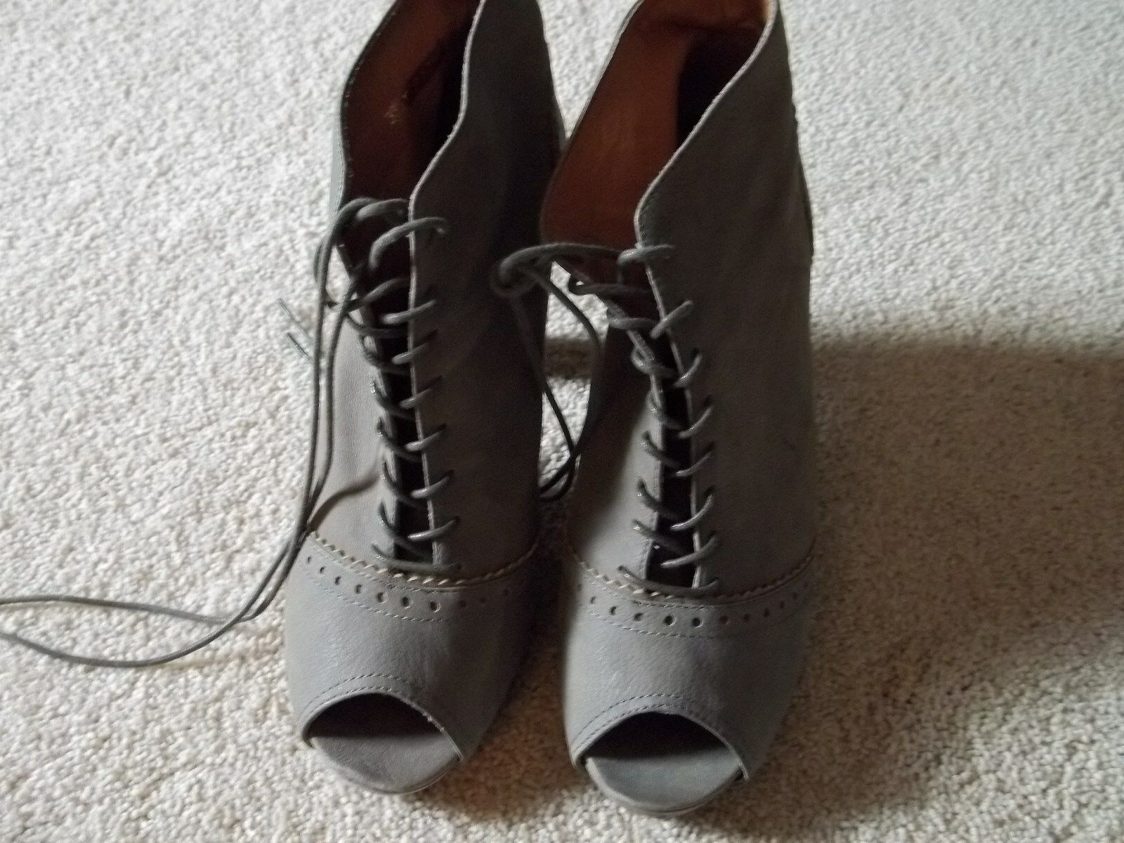 GIOVANE by CORDANI shoes,peep toe,laces,nubuk leather,38 1 2  , size 8 pre-owned