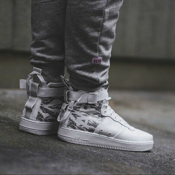 finest selection de1cb a177c Nike SF AF1 Mid Premium Urban Soldier (Size 12) White Camo AA1129 100