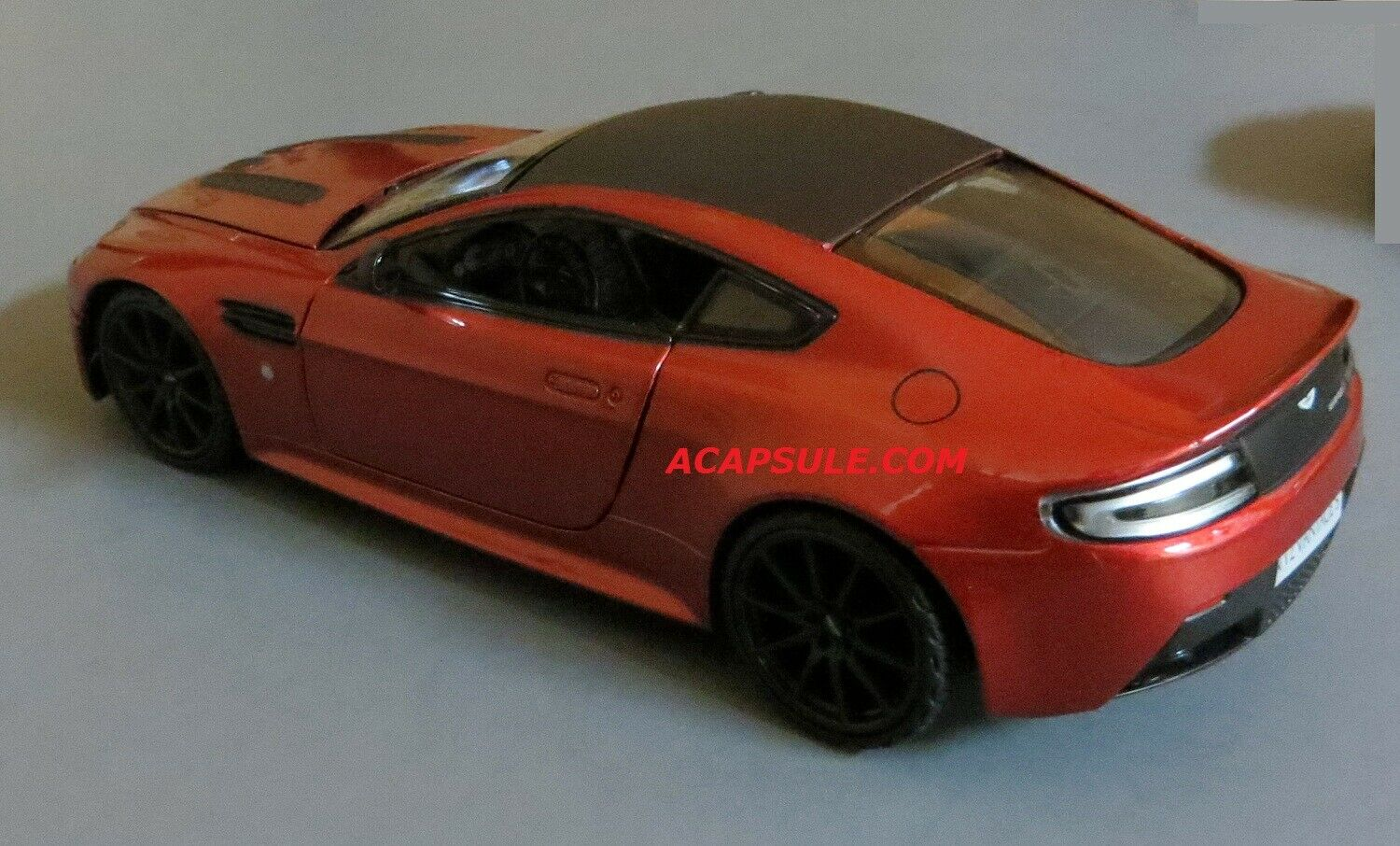 Aston Martin V12 Vantage In Red Diecast Model Car In 1 18 Scale By Autoart 70208 For Sale Online Ebay