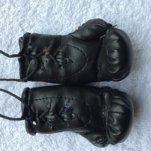 ideal to hang from the rear view Mirror Opel Corsa Mini Boxing Gloves