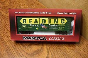 MANTUA-CLASSICS-MRC-41-039-STEEL-BOX-CAR-READING-flag-red-door-19812-HO-SCALE