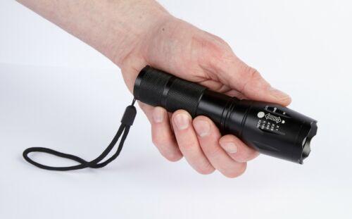 40 x plus lumineux PRO Zoom Torche-Optique Focus Lampe de poche