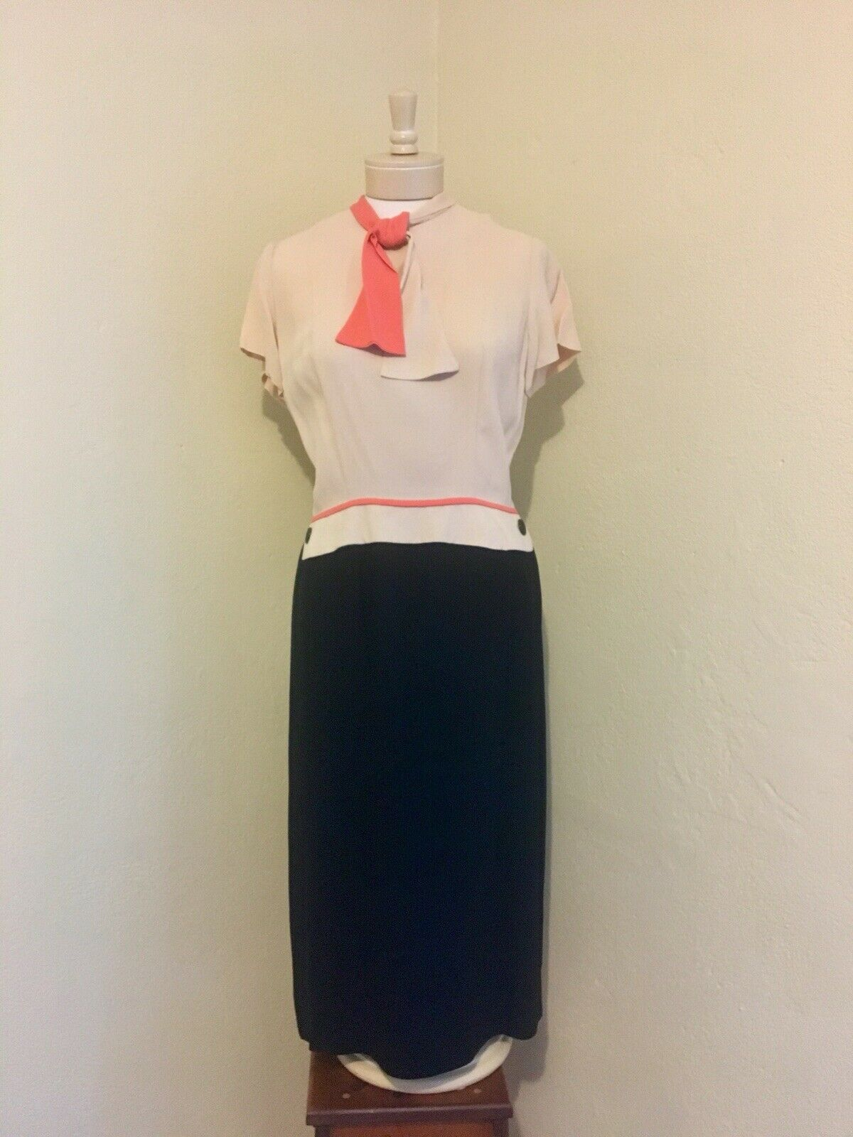 1940's RARE Vintage Lt Pink, Coral, Black Color B… - image 2