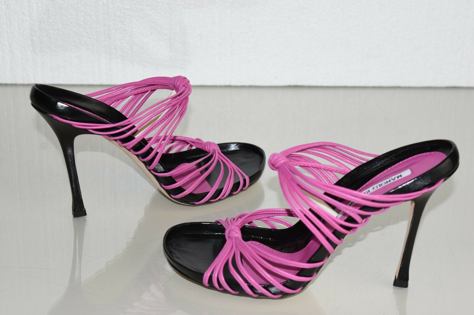 885 NEW MANOLO BLAHNIK Fuchsia Pink BLACK LEATHER Strappy SANDALS SHOES 39.5