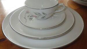 Vintage China Dinnerware set Boutique by KENMARK service 8 32 pcs platinum trim