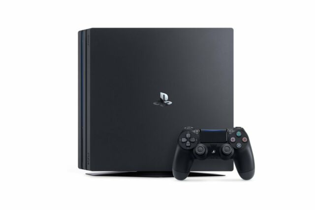 Sony PlayStation 4 Pro 1TB Konsole schwarz (PS4) Version CUH-7216B
