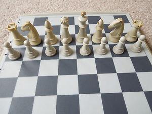1 De Rechange Pour Jouer Pièce Seulement Saitek Kasparov Sensor Chess Electronic Chess-afficher Le Titre D'origine Belle Et Charmante