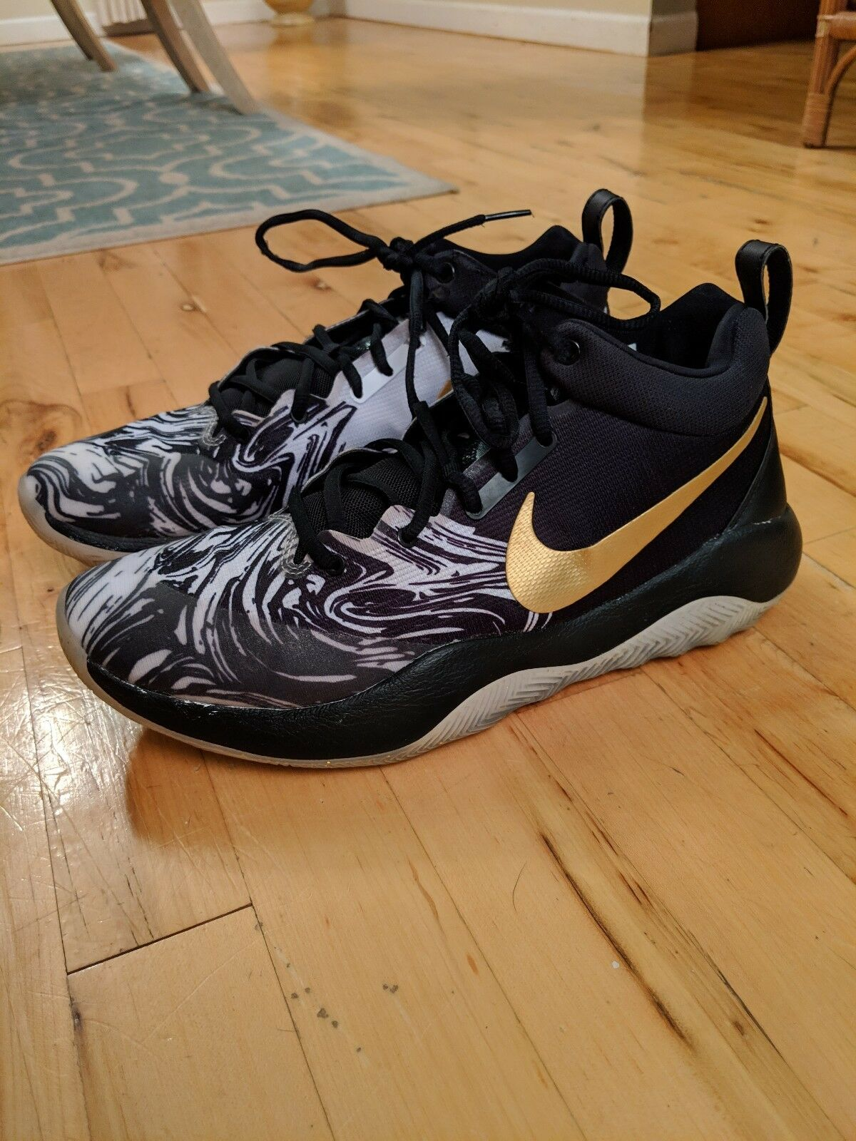 Nike Zoom Rev BHM QS Mens Basketball shoes SZ 10 Black Metallic gold AA1009 001