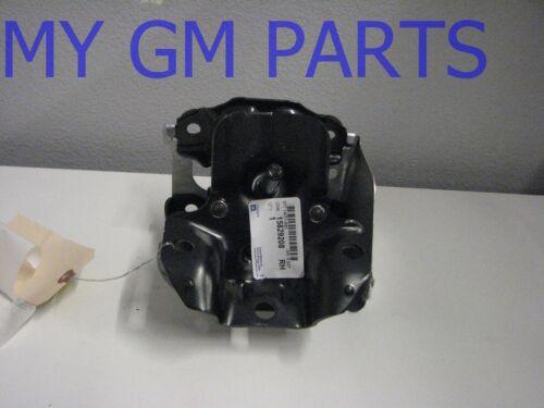 SILVERADO SIERRA 4.8 ENGINE MOTOR MOUNT RIGHT SIDE NEW GM  15829208 2007-2013