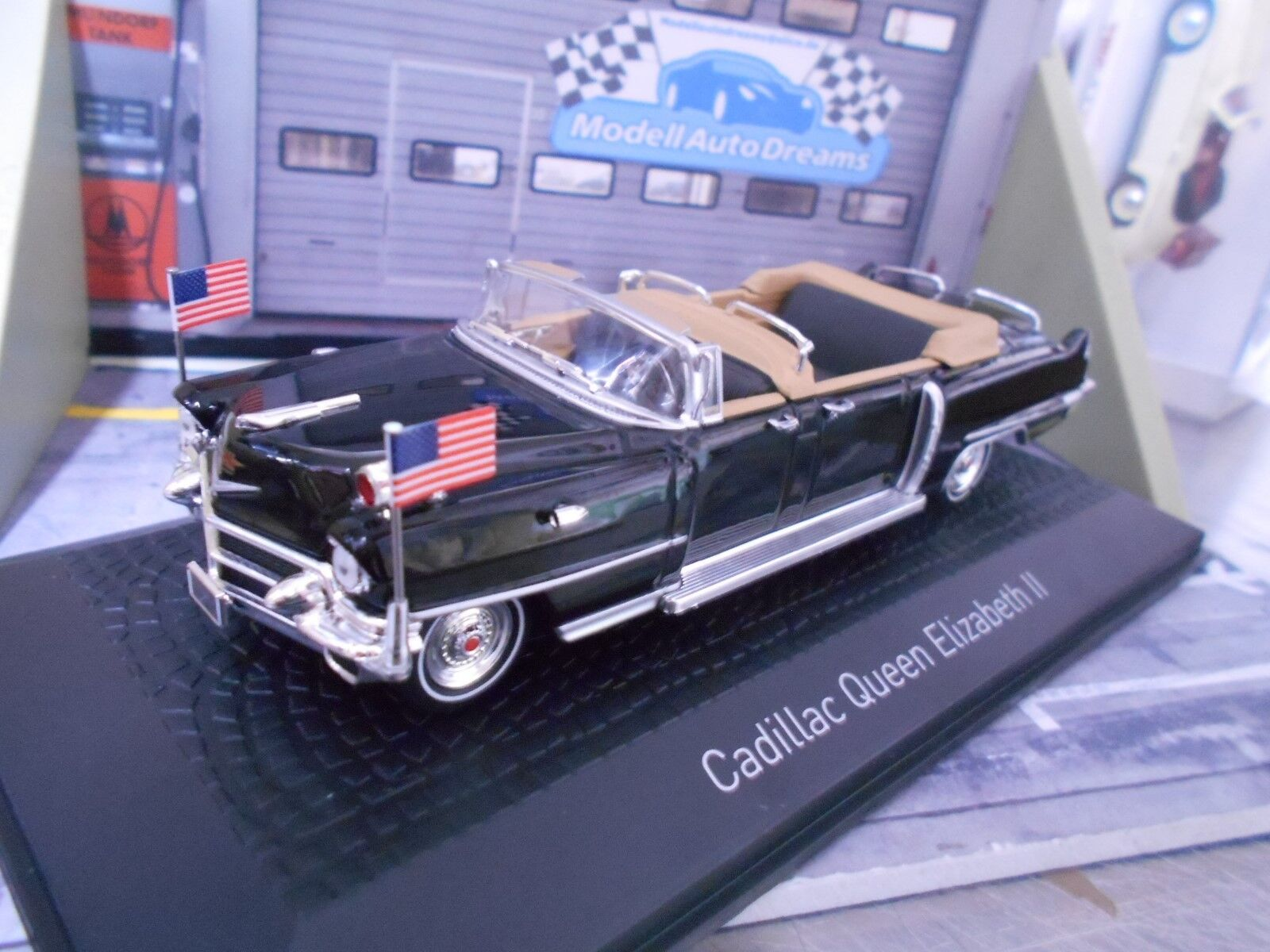 Cadillac queen Elizabeth II 1956 cabriolet noir ouverte NEUF NEW NOREV 1 43