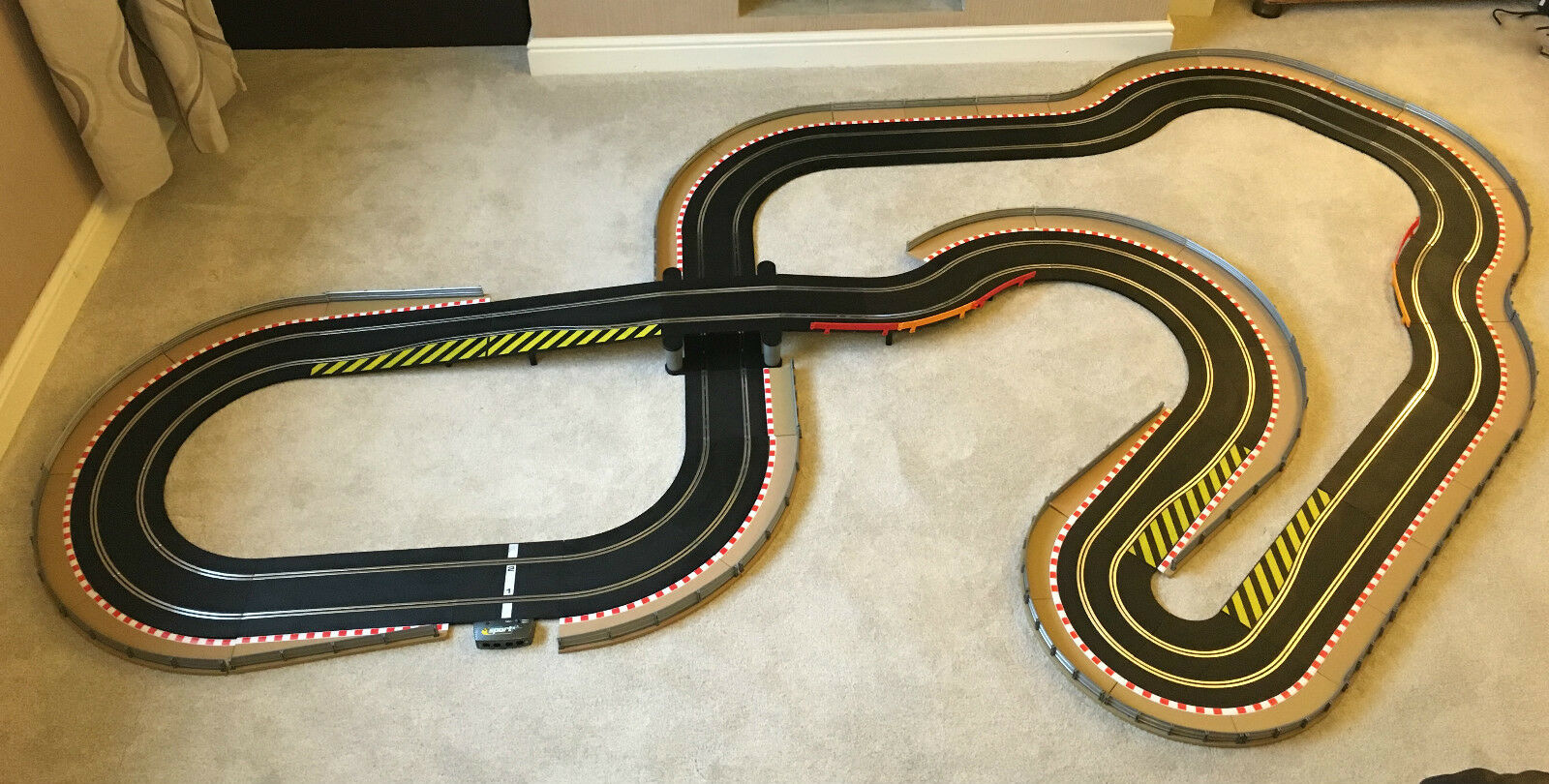 Scalextric Sport Large Layout wth Bridge   Hairpin & 2 Cars