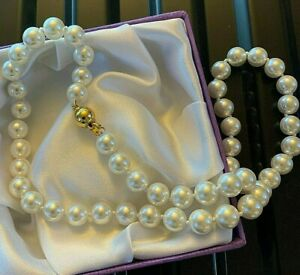 White-Pearl-Necklace-45cm-Long-Hand-Knotted-8mm-Pearls-Gold-Clasp-BOXED-Plum-UK