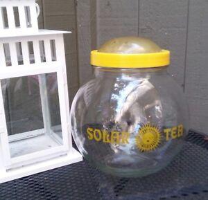 Vintage-Mid-Century-Modern-1-Gallon-Yellow-Solar-Tea-Glass-Jar-Clear-Dome-Top