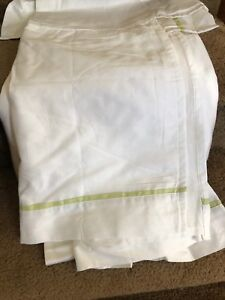 Pottery-Barn-Kids-ABC-Baby-Crib-Bed-Skirt-White-with-Light-Green-Trim