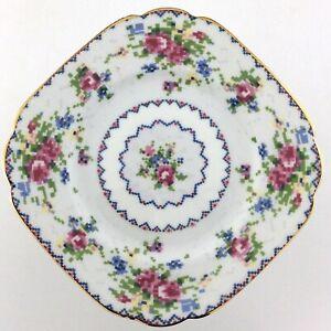 Royal Albert England PETIT POINT 10 Dinner Plate