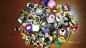 DISNEY-PINS-50-DIFFERENT-PINS-FAST-USA-SELLER-MIXED-LOT-OF-PINS-CAST-HM-RACK