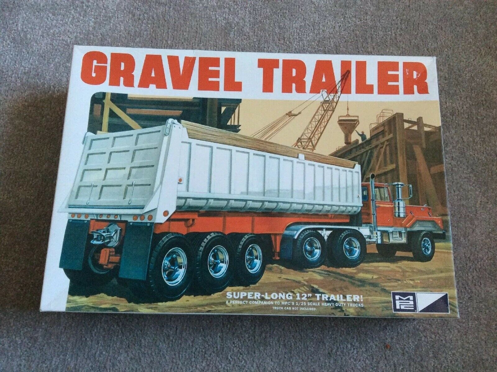 MPC 1 25 Scale 3-Axle Gravel Trailer Model Kit (3-Piece)