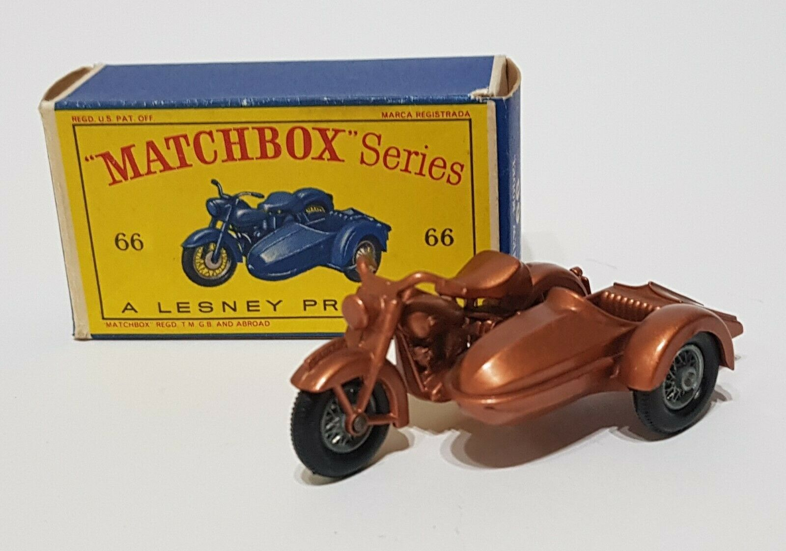MatchBox serie Spielzeugs 66, Harley-Davidson M cycle with Side voiture, - Superb Mint.