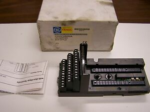 COMPACT BOX STYLE GE FANUC IC200CHS022J I//O CARRIER ASSEMBLY
