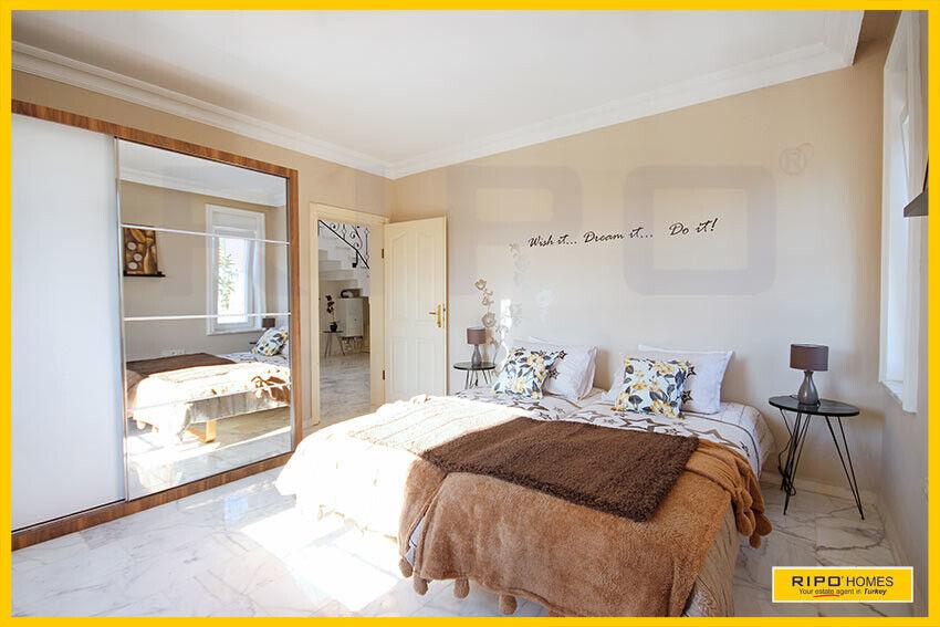 SOLGT!  Alanya Mahmutlar - Smuk villa på privat...