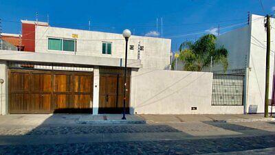 Casa en Venta en Bugambilias Pedro Calderon