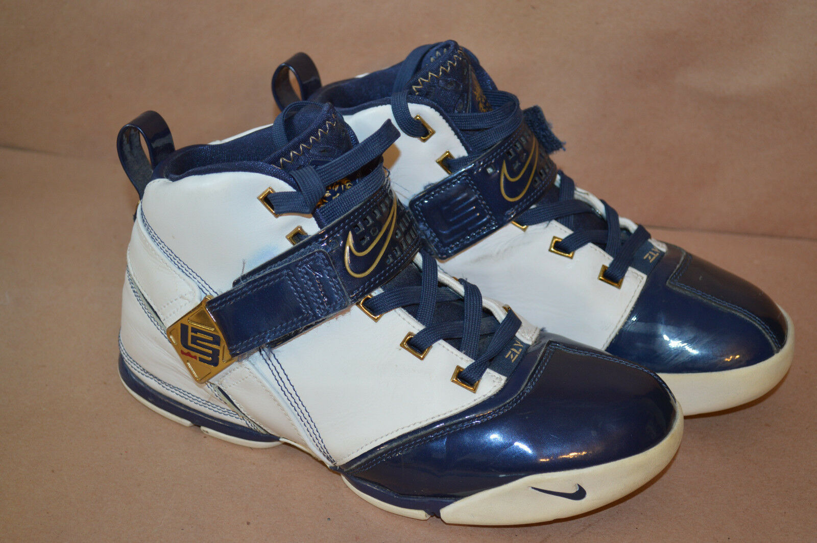 Nike air zoom lebron / 5 weiß - blau 317335-141 größe 5.5y