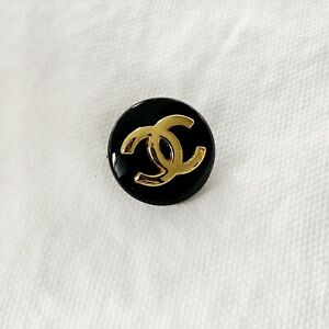 Authentic-Chanel-STAMPED-Gold-CC-Logo-Black-Round-Metal-Button-3-4-20mm-Wide