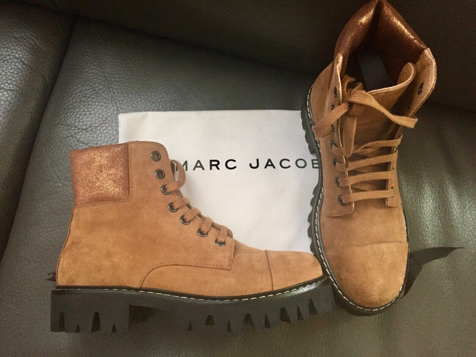 NEW MARC JACOBS LACE-UP FASHION WORKERS BOOTS CHUNKY RUBBER SOLE M ITALY SIZE 7