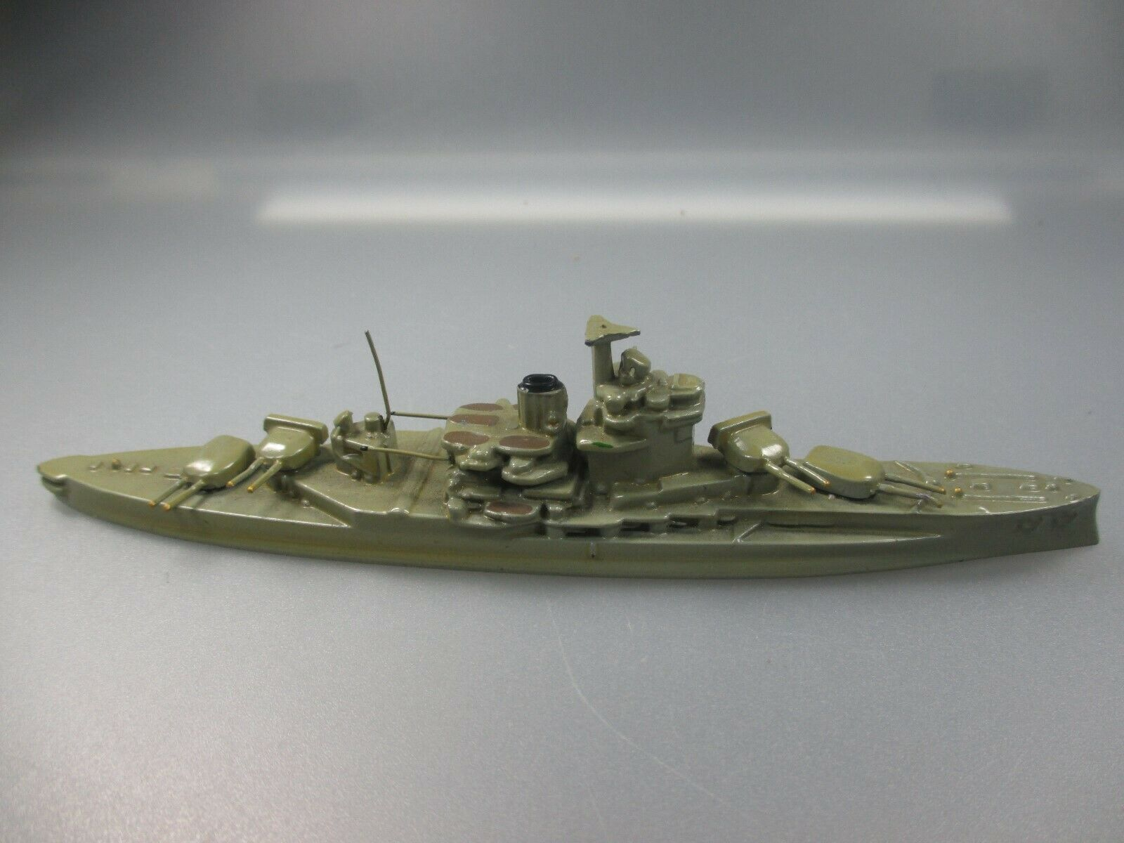 Wiking  Battleship  Queen Elizabeth  AZB Black. (no 9 NH5)