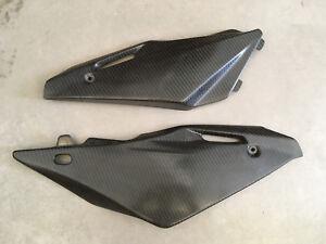 Husqvarna-610-SM-pannelli-laterali-side-panel-FLEX-carbon-fiber-carbonio