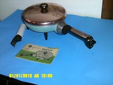 VINTAGE GENERAL ELECTRIC GE ELECTRIC SKILLET AQUA BLUE 9 1/2''  NICE!!!