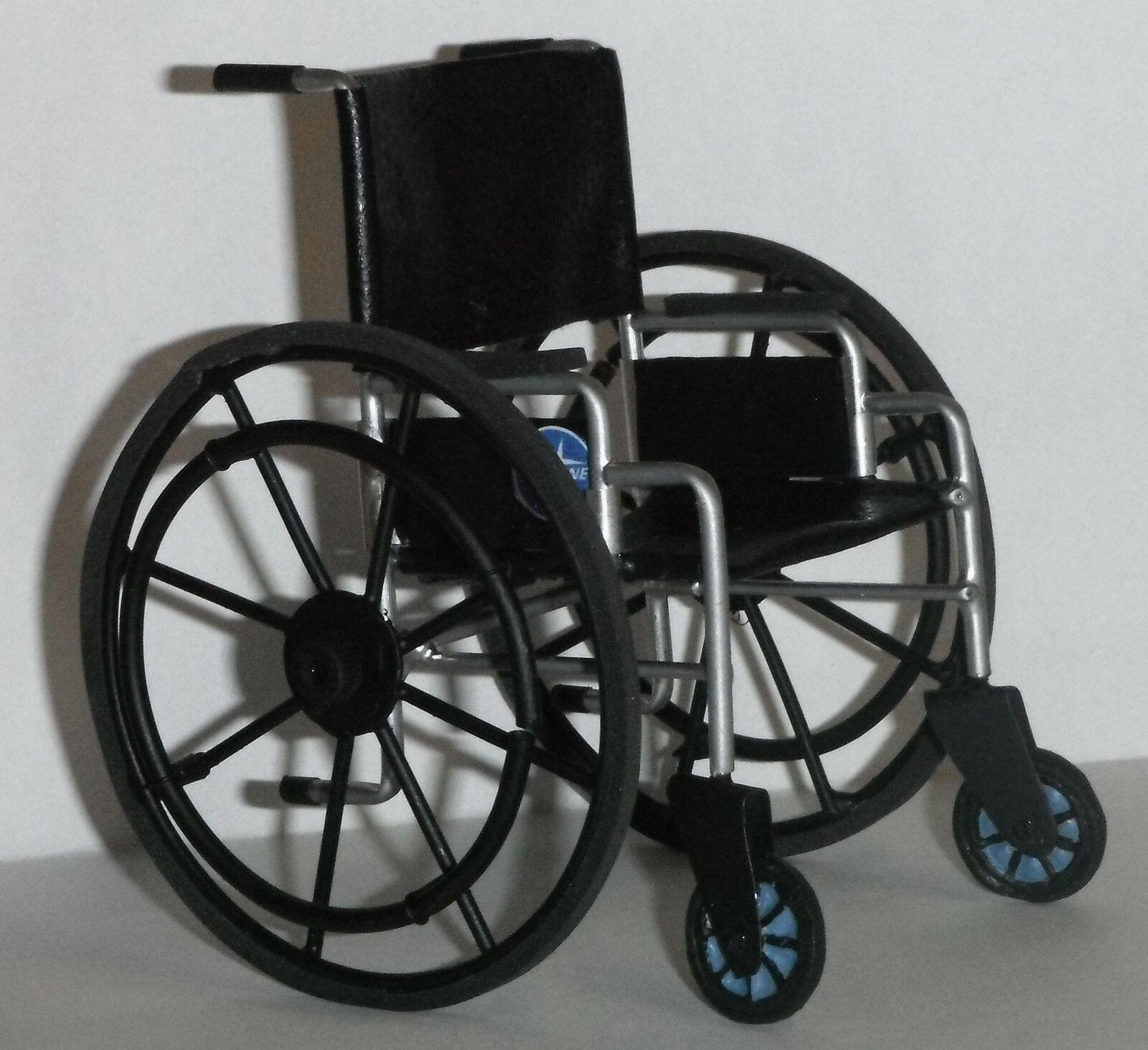 tienda de pescado para la venta Casa De Muñecas En En En Miniatura Artesanal Medical silla de ruedas Negro 1 12th Escala Moderna  genuina alta calidad