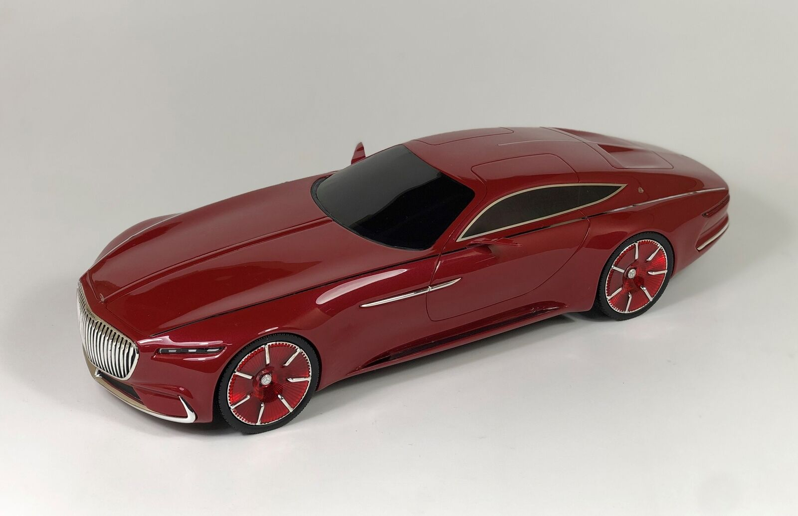 Mercedes-Benz Maybach Vision 6 Coupe Red Scale 1 18